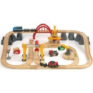 giv det populære Brio togsæt i julegave til børn