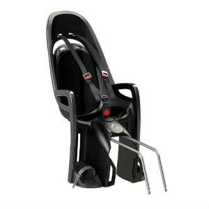 Hamax Cykelstolen har både fodstøtte, integreret sele og skulderpolstring