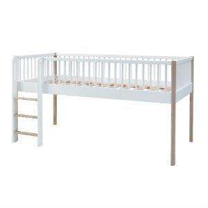 køb halvhøj Villads junior seng i hvid og bøg
