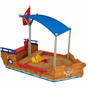 køb en sandkasse formet som et piratskib