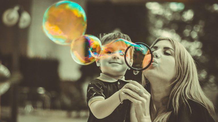Sådan får du mere kontakt til dit barn
