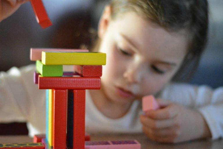 køb det gode aktivitetslegetøj til børn