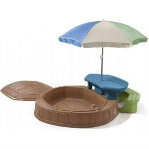 køb en plast sandkasse med bord og parasol